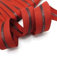 Молния металлическая №5, черный металл / красная
